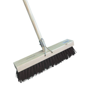 ACADEMY GUTTER SWEEPER 375MM